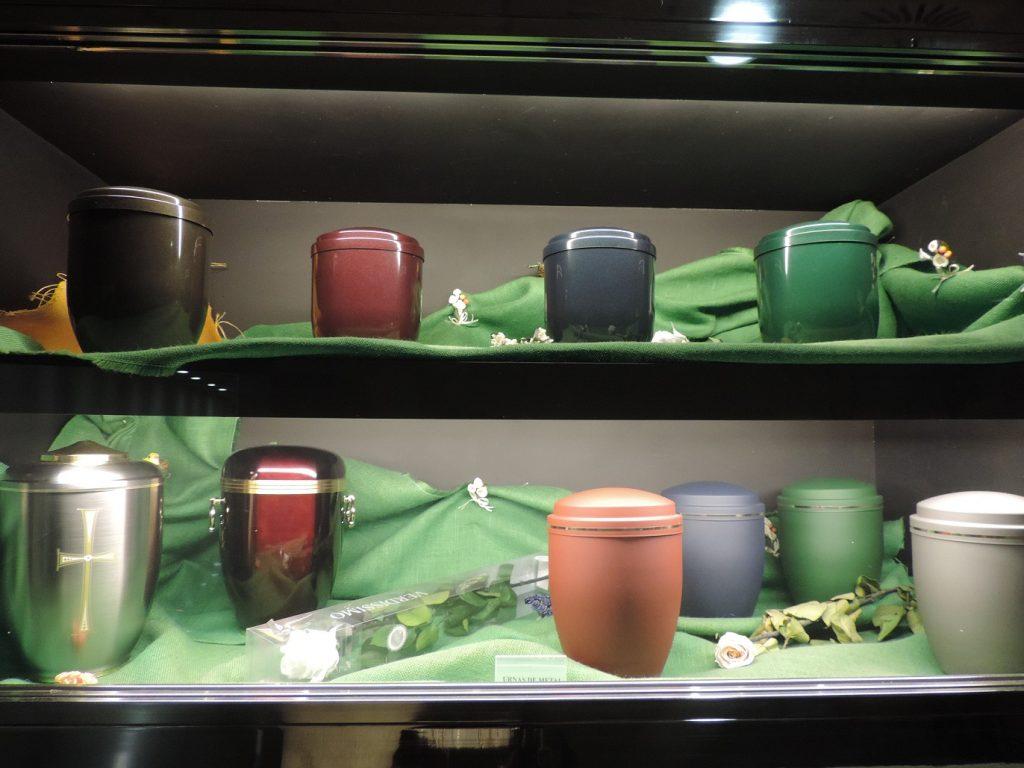 Культура Испании: традиции и ритуалы на похоронах в Валенсии.