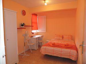 Аренда апартаментов в Валенсии посуточно без регистрации возможна.