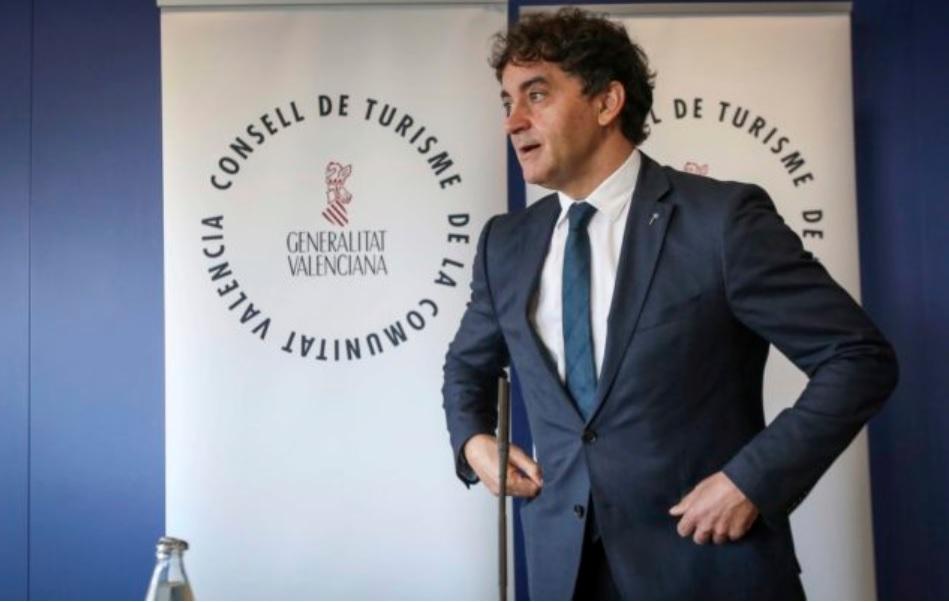 В Валенсии идет массовая легализация квартир под аренду посуточно.