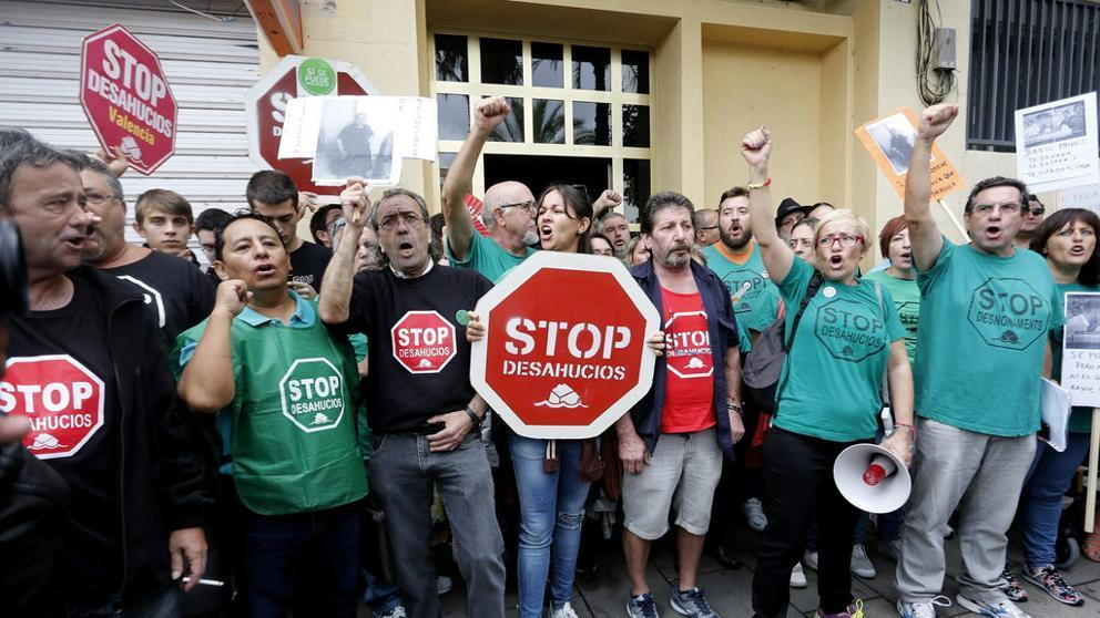 Оккупанты в Испании: кто такие, откуда берутся и что делать?